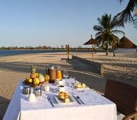 Enjoy breakfast at the beach