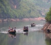 Boatmen on Shennong Stream