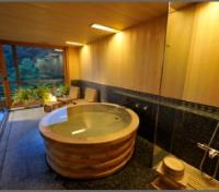 Kadan Suite with Panoramic Wooden Bath