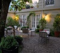 Courtyard at Le Reve Hotel