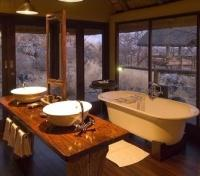 Little Ongava - Bathroom
