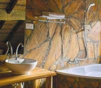 Meru/Family Suite Bathroom