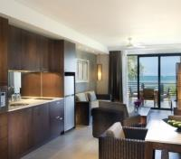 One Bedroom Deluxe Beachfront