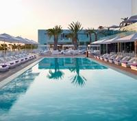 W Hotel - Outdoor Infinity Pool