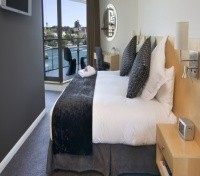 Quay Grand Suites Sydney Guest Room