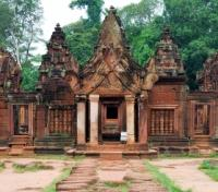 Cambodia Family Adventure Tours 2017 - 2018 -  Banteay Srei