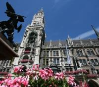 Munich, Salzburg & Vienna Discovery Tours 2017 - 2018 -  Town Hall on Marienplatz