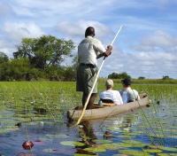 Botswana Discovery Tours 2019 - 2020 -  Boat Guide