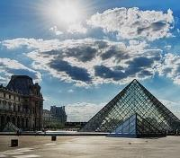 Paris and Loire Highlights Tours 2019 - 2020 -  Louvre Courtyard