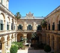 Malta Highlights Tours 2019 - 2020 -  Grandmaster's Palace Court