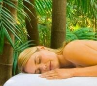 Byron Bay Tours 2017 - 2018 - Outdoor Spa Treatment