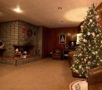 Crescent City Tours 2017 - 2018 -  Curly Redwood Lodge Lobby at Christmas