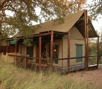 South Africa Wildlife Tracker Tours 2018 - 2019 -  Chapungu Tented Camp