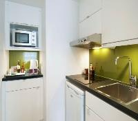 London Tours 2017 - 2018 - Citadines Prestige South Kensington Studio Kitchen