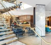New Zealand: Tip to Tip  Tours 2020 - 2021 -  Crowne Plaza Christchurch Lobby