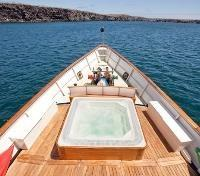 Galapagos Cruise Tours 2017 - 2018 - Hot Tub