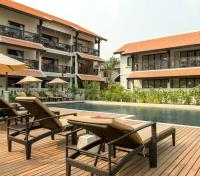 Vientiane Tours 2017 - 2018 -  Swimming Pool