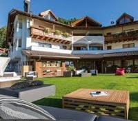 Alpine Peaks of Northern Italy Tours 2019 - 2020 -  Hotel Miravalle