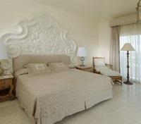 Acapulco Tours 2017 - 2018 -  Quinta Real Guest Room