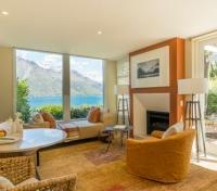 Queenstown Tours 2017 - 2018 - Suite Lounge