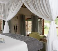 Sabi Sands Tours 2017 - 2018 - Luxury Water Facing Room