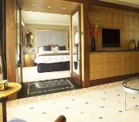 London Tours 2017 - 2018 - One Bedroom Suite