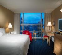 Vancouver Tours 2017 - 2018 -  Sheraton Vancouver Wall Centre Guest Room