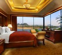 Guilin Tours 2020 - 2021 - Executive Suite Bedroom