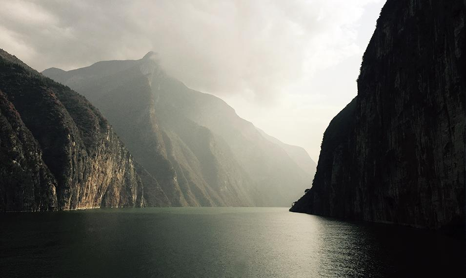 Sail through the vistas of the Yangtze River in 5* luxury.