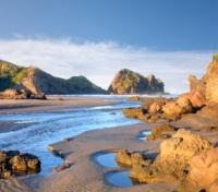 Active New Zealand: Auckland, Lake Taupo & Fjordland Tours 2019 - 2020 -  Auckland Coastal Piha Beach