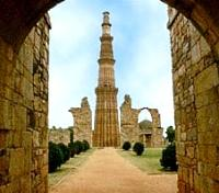 Ganges, Tigers & Taj Signature Tours 2018 - 2019 -  Qutab Minar, Delhi