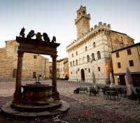 Umbria: The Green Heart of Italy Tours 2019 - 2020 -  Piazza Grande, Montepulciano